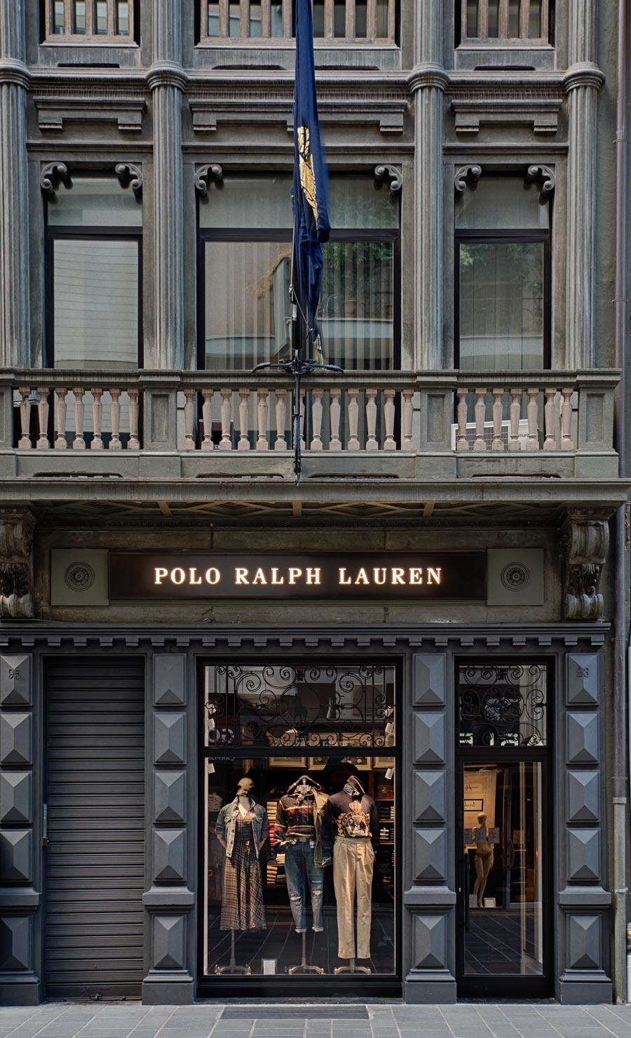 Ingresso dello store Ralph Lauren in BAri